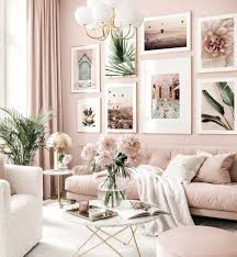 trendy bilderwand rosa wohnzimmer botanische poster goldrahmen