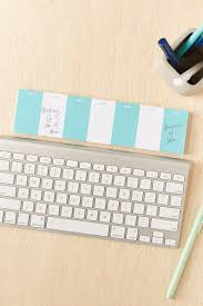 Cubicle Decoration Ideas For Engineers Day by 17 Desk Accessories And Decorations That U0027ll Cheer Up Any Cubicle