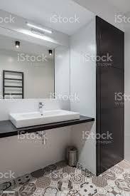 badezimmer mit arbeitsplatte waschbecken stockfoto und mehr bilder architektur