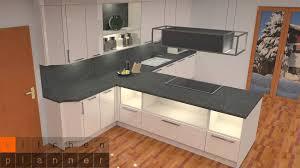 zweizeilige küche mit halbinsel in t form