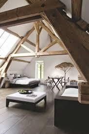 chambre dans comble sous les combles la décoration parfaite 10 inspirations à découvrir