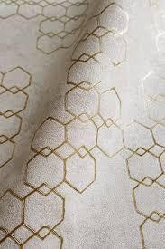 newroom vliestapete beige tapete leicht glänzend modern mustertapete metalic gold grau hexagon grafisch für schlafzimmer wohnzimmer küche