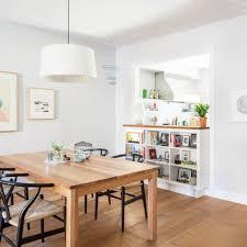cuisine blanche ouverte sur salon cuisines semi ouvertes sur le salon 13 exemples pour y succomber
