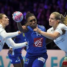 HandballEM Der Frauen GelbwestenProteste Sorgen Für SpielVerlegungen