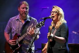 Review: Tedeschi Trucks Band Jams Family-style At Meadow Brook ...