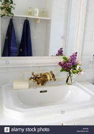 waschbecken in einem badezimmer schweden stockfotografie alamy