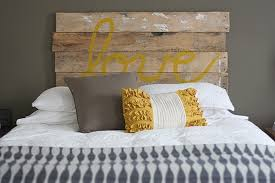 Headboard Designs For Bed by 15 Easy Diy Headboard Ideas You Should Try In 2017