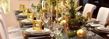 Rustic Glam Christmas Table Decorations And Centerpieces