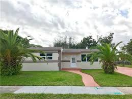 1040 Nw 196th St Miami Gardens FL realtor