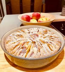 apfelschmandkuchen aus der runden ofenhexe der runden