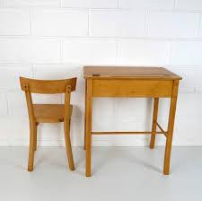 bureau enfant baumann grand bureau enfant la marelle mobilier vintage pour