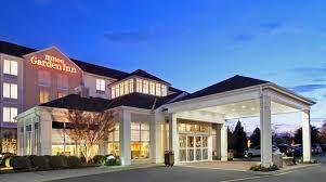 Hilton Garden Inn Hotel near Greenbrier Mall Dining