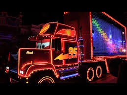 FULL Paint the Night parade debut at Disneyland for 60th