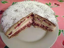 gâteau de rêve aux fraises basboussa
