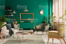 grüne wohnzimmer interieur stockfoto und mehr bilder beige