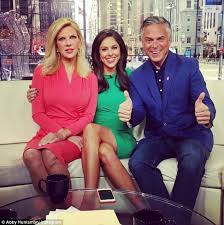Halloween Wars 2015 New Host by Fox News Host Abby Huntsman Confirms She Is Pregnant Daily Mail