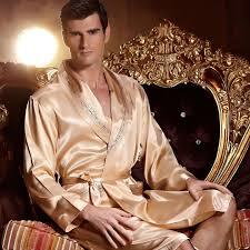 robe de chambre luxe peignoir luxe homme satin or tyran lepeignoir fr