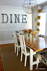 Casual Kitchen Table Centerpiece Ideas by Best 25 Dining Room Wall Decor Ideas On Pinterest Dinning Room