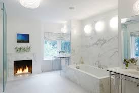 weiß marmor badezimmer wandlook stylisch beleuchtet