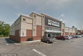 Bed Bath Beyond Beverly Center by Men Arrested For Act In New Jersey U0027s Bed Bath U0026 Beyond Daily