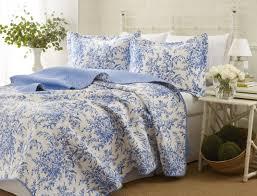Ebay Curtains Laura Ashley by Amazon Com Laura Ashley Bedford Cotton Reversible Quilt Set Full