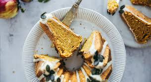 kürbis apfel gugelhupf mit ahornsirup glasur