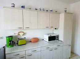 küche küchenzeile mit spüle und geschirrspüler