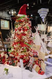 Or If You Do Decide To Stick With The Classic Red And Green Of Christmas Spice It Up A Little White Tree Bright Accessories
