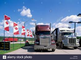 Semi Trailer Trucks Stock Photos & Semi Trailer Trucks Stock Images ...