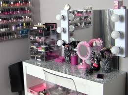 Makeup Desk With Lights by Vanity Makeup Table With Lights Drawers And Mirror Style For