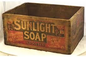 SUNLIGHT SOAP WOODEN BOX CRATE 185 X 135 X 9ins SUNLIGHT
