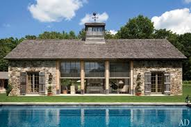 A Poolhouse With Country Charm