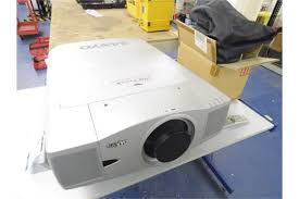 sanyo pro xtrax multiverse projector c w remote and