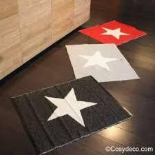 tapis pour la cuisine tapis plastique etoile réversible de la marque pappelina