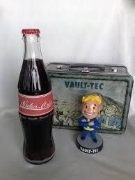 Nuka Cola Lava Lamp by I Made A U0027 U0027nuka Cola Bottle And A Vault Tech Lunch Box U0027 U0027 And For