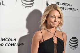 Kelly Ripa Halloween Contest by Kelly Ripa U0027s Guest Co Hosts Have Been Announced