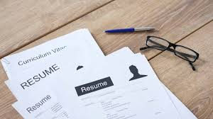 What's The Difference Between A Resume And A CV? – LifeSavvy Resume Vs Curriculum Vitae Cv Whats The Difference Definitions When To Use Which Between A Cv And And Exactly Zipjob Authorstream 1213 Cv Resume Difference Cazuelasphillycom What Is Infographic Examples Between A An Art Teachers Guide The Ppt Freelance Jobs In