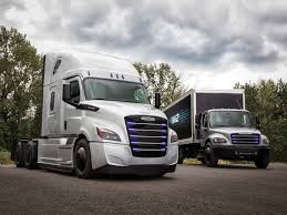 Daimler Unveils Electric Truck To Compete With Tesla Semi - Business ...