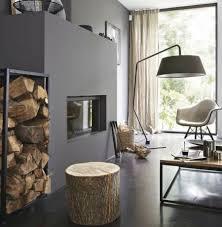deco tronc d arbre un tabouret ou une table d appoint avec un tronc d arbre