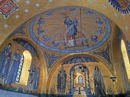 intérieur d une chapelle photo de couvent du mont sainte odile