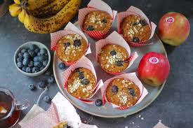 energie dinkel haferflocken muffins mit blaubeeren äpfeln