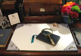 Leather Desk Blotters Uk by Parvum Opus Anatomy Of A Well Dressed Desk Part 1 The Desk Blotter