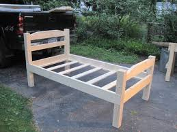 How To Build A King Platform Bed With Drawers by Best 25 Twin Bed Frames Ideas On Pinterest Twin Bed Frame Wood