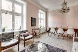 in diesem schönen wohnzimmer wände sind bemalt rosa