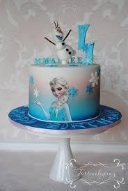 die eiskönigin elsa und olaf torte in weiß blau schnee