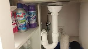 verstopftes abflussrohr das küchenabflussrohr oder das