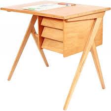 bureau chaise enfant bureau vintage et chaise enfant en bois 1950 design market