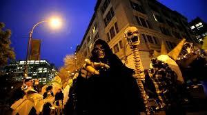Greenwich Village Halloween Parade Street Closures by Annual Halloween Parade Sparkles In Greenwich Village Cbs New York