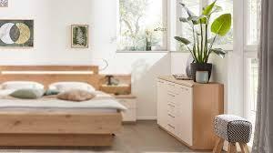 interliving schlafzimmer serie 1013 kombikommode balkeneiche sand zwei türen fünf schubladen