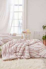 margot tufted floral comforter urban outfitters